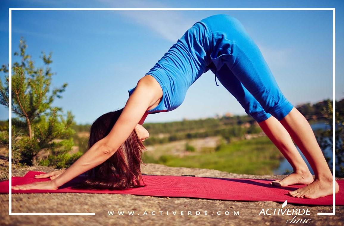 practicing-yoga-PFRABH4-1160×773